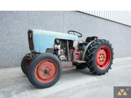 Eicher 3705 1979 Vineyard tractor 1 Van Dijk Heavy Equipment