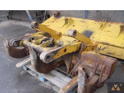 Komatsu Ripper D57S 0 Ripper 1 Van Dijk Heavy Equipment
